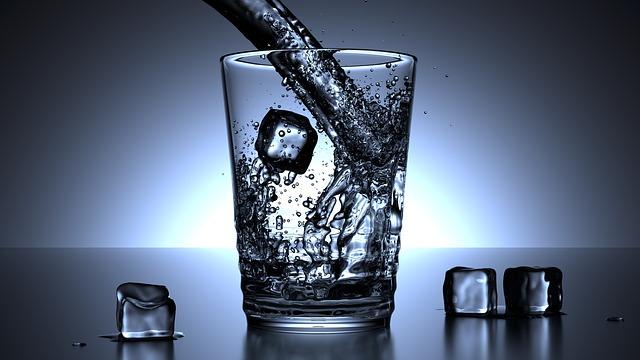 pohár vody.jpg