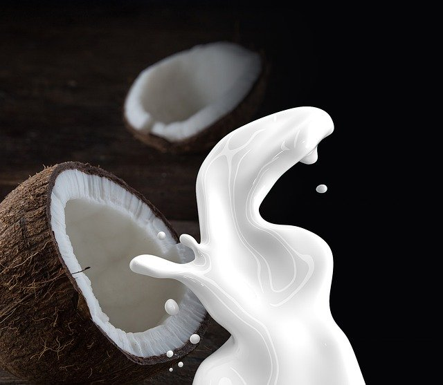 kokosový orech s mliekom.jpg